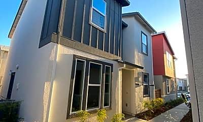 Building, 4535 Ocean Ln, 1