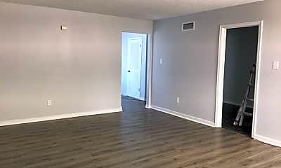 Living Room, 5810 Lynnfield Cove, 2