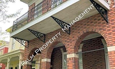 Building, 1003 E Park Ave, 2