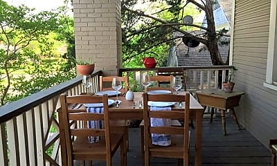 Patio / Deck, 909 Haines Ave, 2
