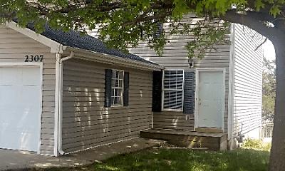 Building, 2203 Live Oak Ln, 0