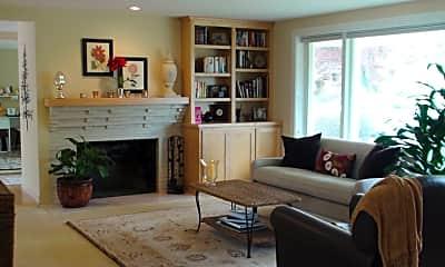 Living Room, 906 Sunset Way, 0