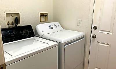 Bathroom, 5 Buck Ln, 2
