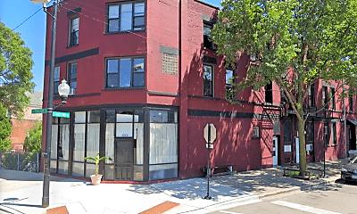 Building, 2409 S Hoyne Ave, 1