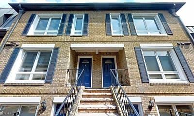 Building, 2125 N Monroe St C, 1