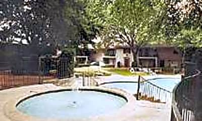 Mulberry Village Apartments, 2