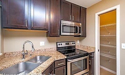 Kitchen, 207 6th St, 1