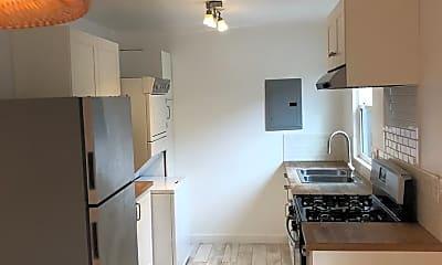 Kitchen, 554 S Breed St, 2