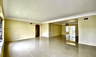 Living Room, 500 SW 6th St, 1