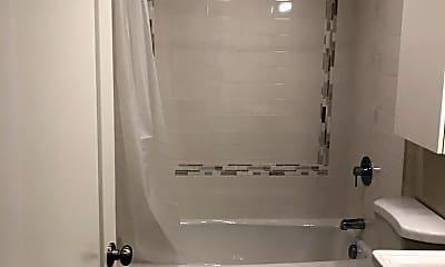 Bathroom, 3931 N Juneau St, 2