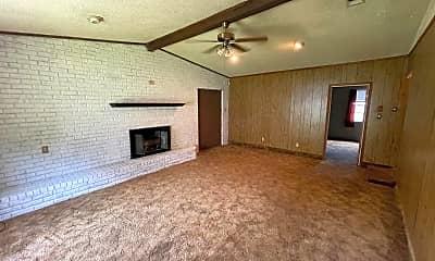 Living Room, 7713 Gideon St, 2