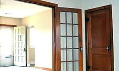 Bedroom, 401 N Hillside St, 2