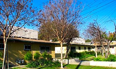 Building, 130 E Acacia St, 1