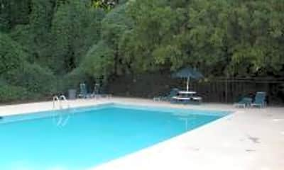 Country Squire Apartments, 2