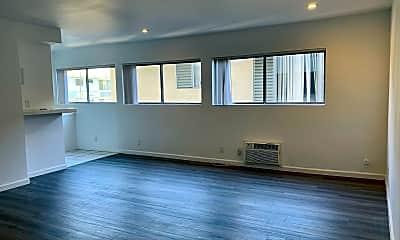 Living Room, 8386 Blackburn Ave, 1