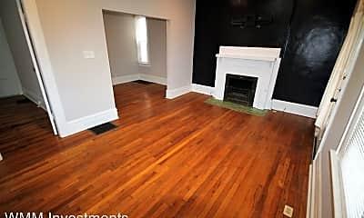 Living Room, 193 E Maynard Ave, 1