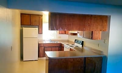 Kitchen, 985 Salem St, 1