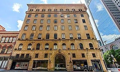 Building, 1900 Elm St, 0