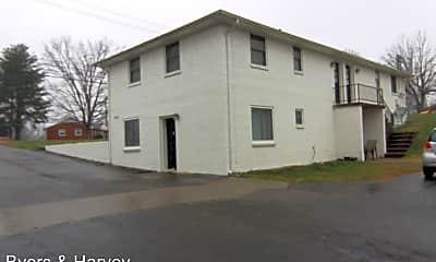Building, 1860 Memorial Dr, 2