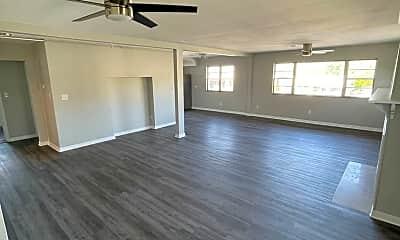 Living Room, 5602 N High St, 0