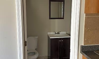 Bathroom, 285 Concord St, 1