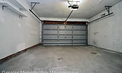 Bathroom, 3646 Meadowbrook Blvd, 2