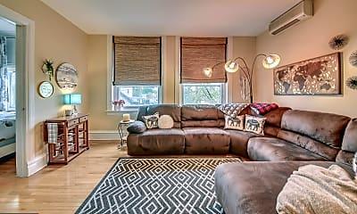 Living Room, 22 N Main St 6, 1
