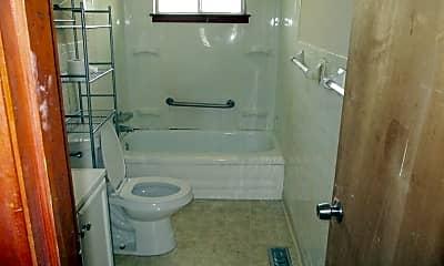 Bathroom, 4675 E 177th St, 2