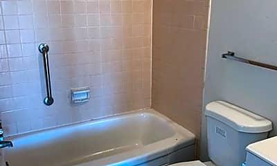 Bathroom, 116 N Ford St, 2