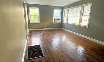 Living Room, 1123 Maplewood Pl, 1