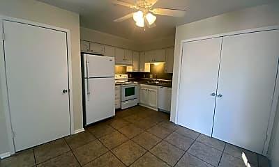 Kitchen, 4323 Rue De Belle Maison, 1