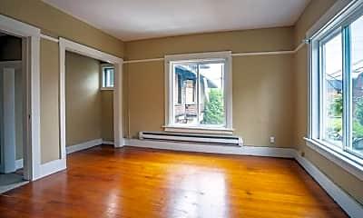 Living Room, 1415 1st Ave N, 2