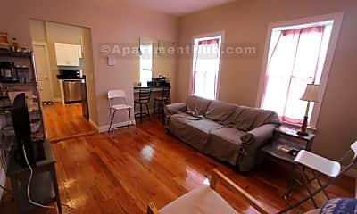 Living Room, 171 Walnut St, 0