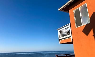 Building, 6701 Del Playa Dr, 1