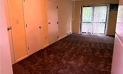 Bedroom, 99 N Turnpike Rd 87, 0