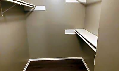 Bathroom, 4704 Oakfield Way, 2