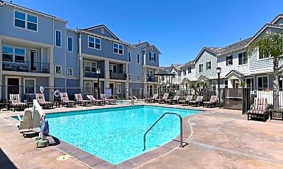 Pool, 529 Sandpiper Way, 2