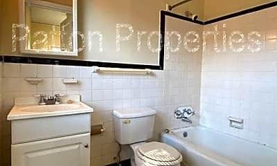 Bathroom, 1 Gregg St, 2
