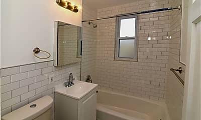 Bathroom, 101 Carpenter Ave C100, 2