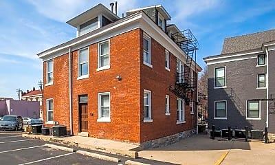 Building, 27 E Robbins St, 2