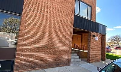 Building, 5686 N Elston Ave 2C, 0