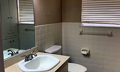 Bathroom, 2307 14th St, 2