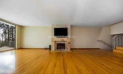 Living Room, 115 Mendosa Ave, 1