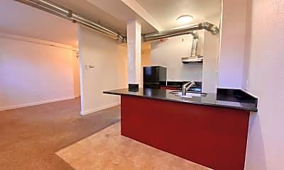 Campus Apartments, 1