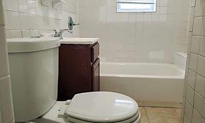 Bathroom, 131 Woodlawn Ave, 2