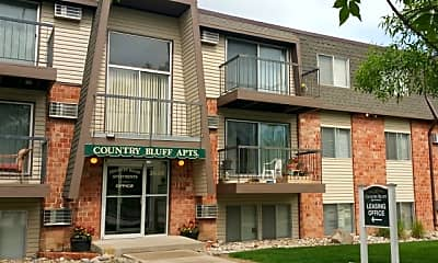 Country Bluff Apartments, 1