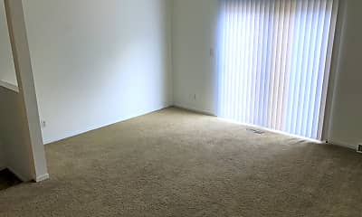 Living Room, 423 Foxfire Dr, 1