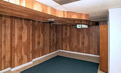 Bathroom, 558 E 38th St, 2