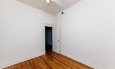 Bedroom, 1401 W Huron St, 1