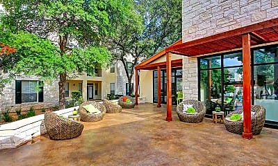 Courtyard, Marquis at Great Hills, 2